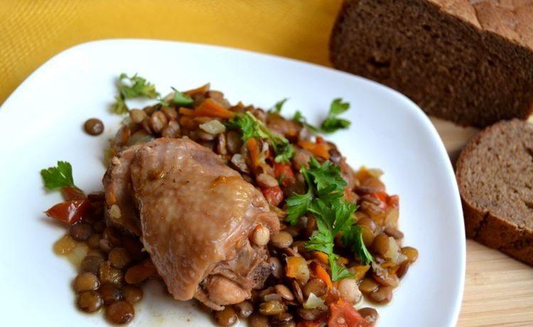 Ոսպով շոգեխաշած հավ