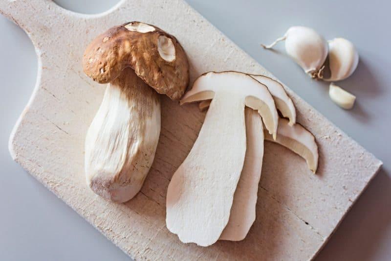 Սպիտակ սնկով սոուս